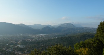 Sentiero dalle Cisterne al Monte Palazzolo