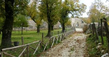 Sentiero sull'antica Civita di Serino