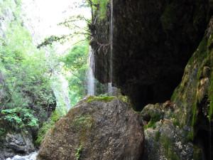 Sentiero della riserva naturale Valle della Caccia